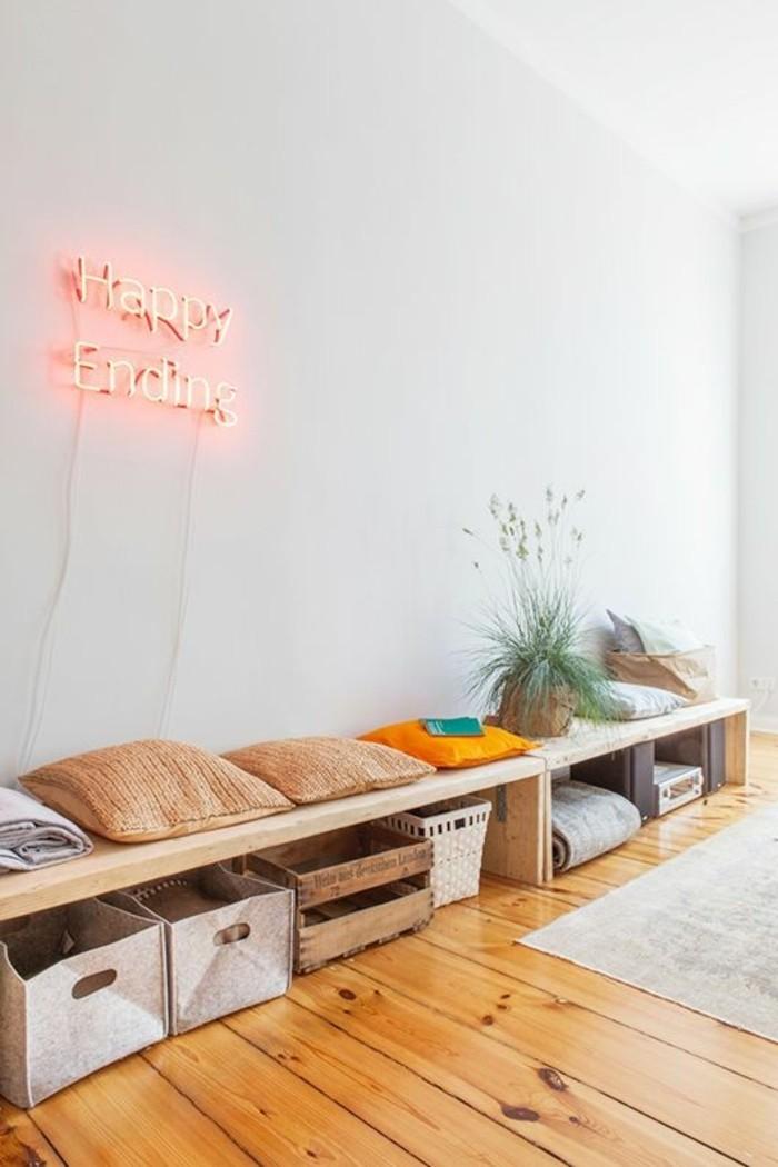 decoration-murale-appartement-sol-en-parquet-clair-tapis-beige-astus-deco-murale-appartement