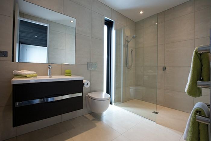 Beton Ciré Salle De Bain Sur Faience : … -salle-de-bain-beige-carrelage-sur-le-sol-douche-a-l-italienne