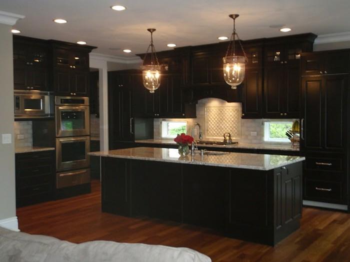 Granit noir dans la maison exemples et conseils for Signification des couleurs dans une maison