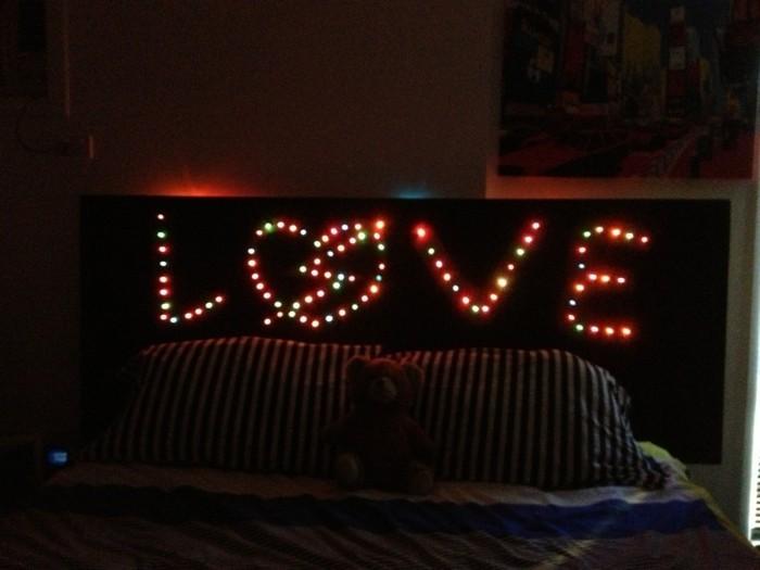 exemple-tete-de-lit-éclairée-dossier-lit-tete-lit-en-noir