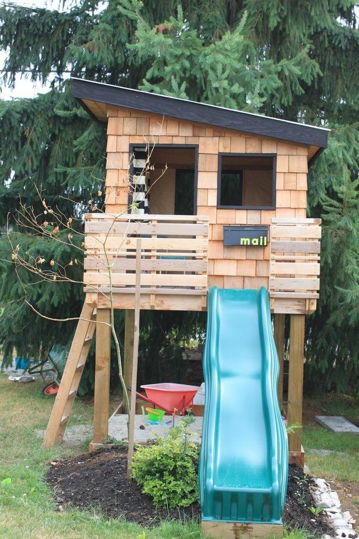 extérieur-maisonnette-en-bois-enfant-tombeau-bleu