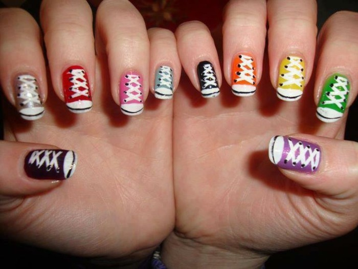 faire-des-ongles-originaux-cool-idée-les-baskets