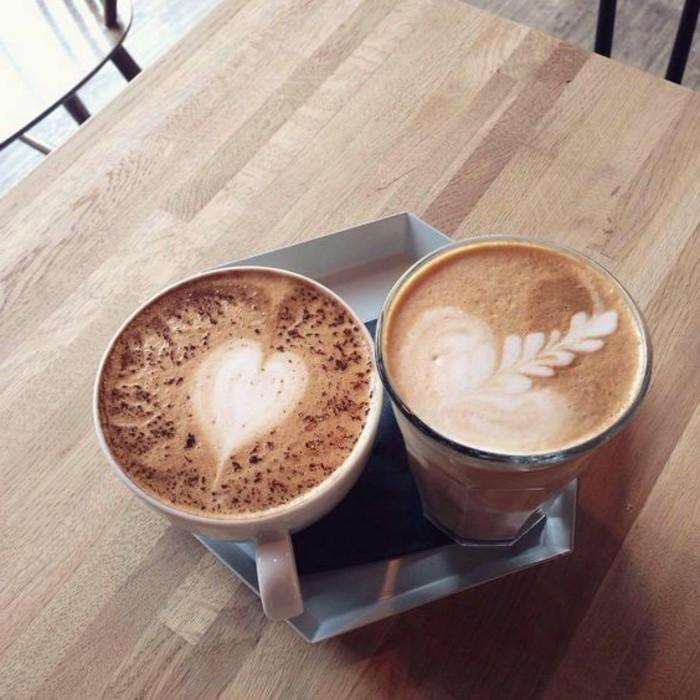 faire-mousser-le-lait-café-au-lait-cappuccino-art-café-cappuccino