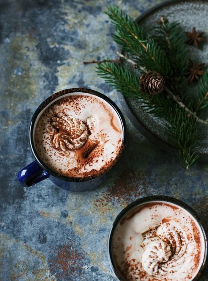 faire-mousser-le-lait-pour-faire-le-meilleur-cappucino-secrettes-cappuccino