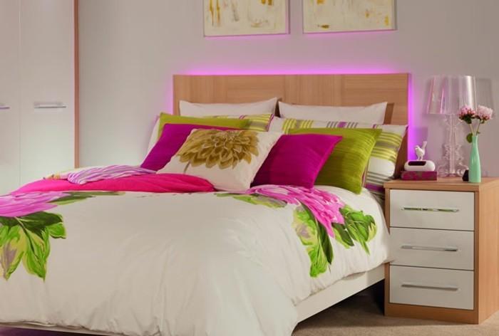 les meilleures id es pour cr er votre dosseret de lit illumin. Black Bedroom Furniture Sets. Home Design Ideas