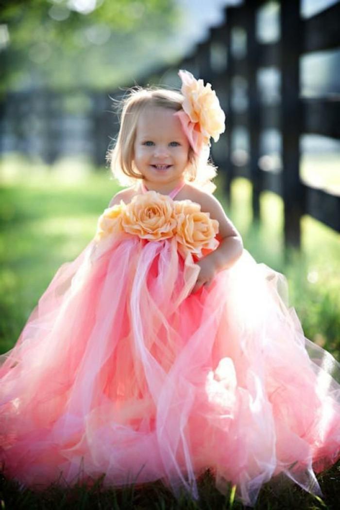formidable-idée-coiffure-mariage-petite-fille-trop-mignonne