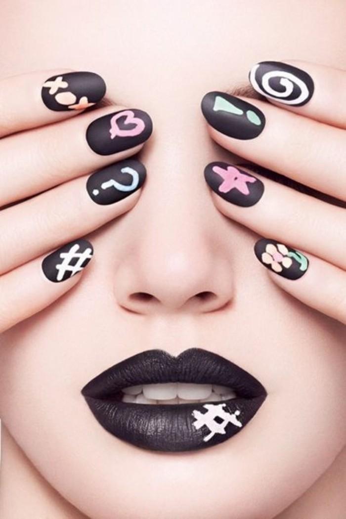 formidable-idée-dessins-ongles-beauté-en-noir-dessin-simple-sur-ongle