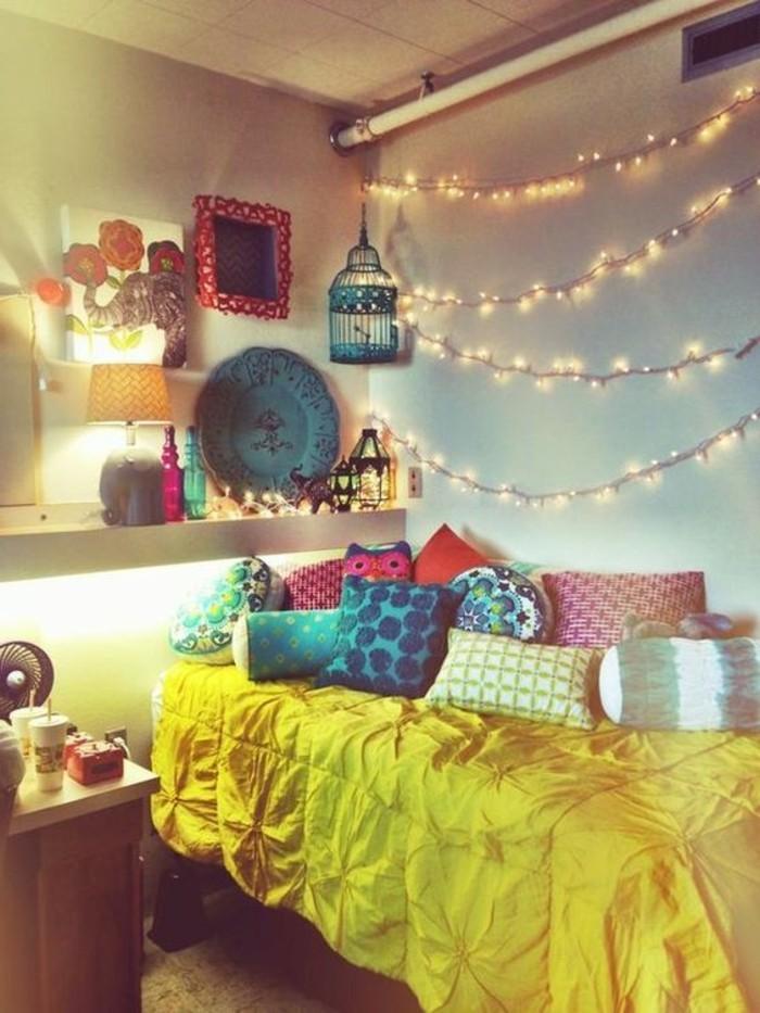 idées-pour-la-chambre-d-ado-guirlandes-lumineuses-idees-deco-murales
