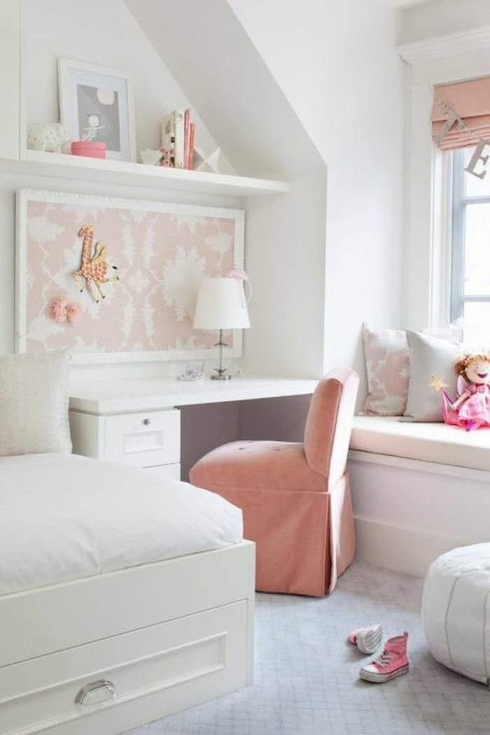 idee-deco-chambre-ado-fille-chaise-rose-pale-murs-blancs-melange-entre-blanc-et-rose-pale