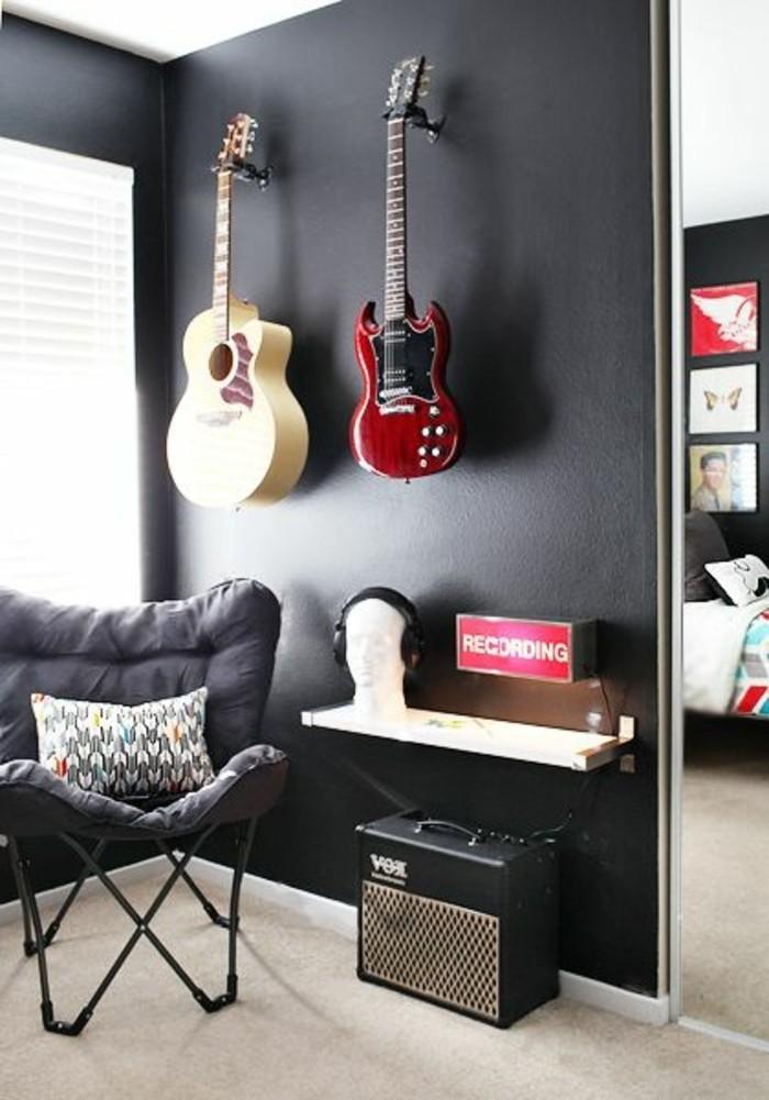 idee-deco-chambre-garcon-en-gris-anthracite-guitare-decoration-sur-les-murs