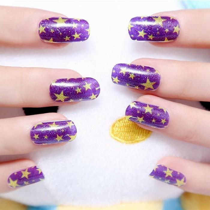 idee-deco-ongles-original-déco-ongle-etoiles-une-deco-ongle-originale-motif-ongle-original