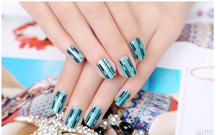 idee-deco-ongles-original-déco-ongle-vintage-trop-cool