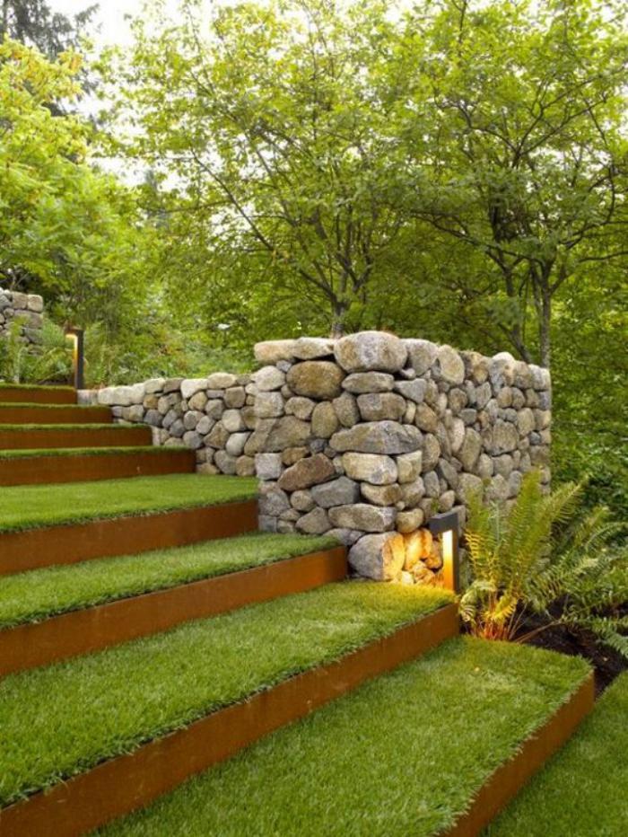 Comment avoir un joli jardin en pente jolies id es en photos et conseils pour l 39 am nagement for Escalier dans un jardin