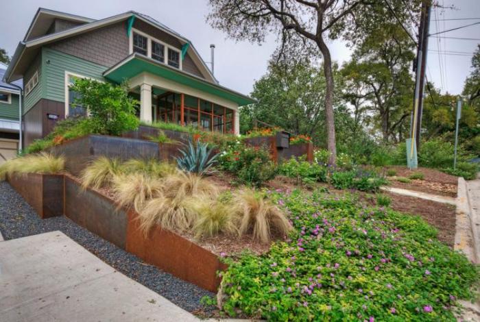 jardin-en-pente-aménagement-extérieur-astucieux