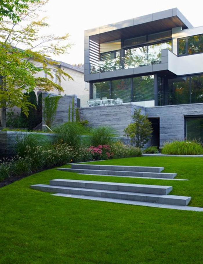 jardin en pente, joli jardin paysager minimaliste