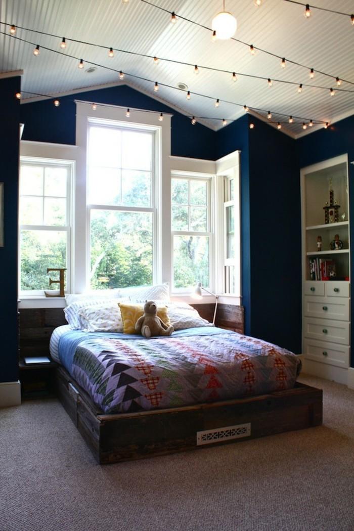 jolie-chambre-à-coucher-tete-de-lit-capitonnée-beauté