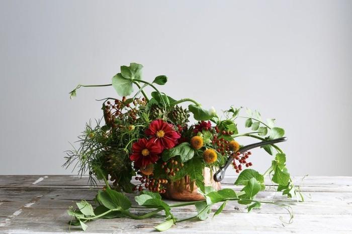 jolie-composition-florale-centre-de-table-une-idee