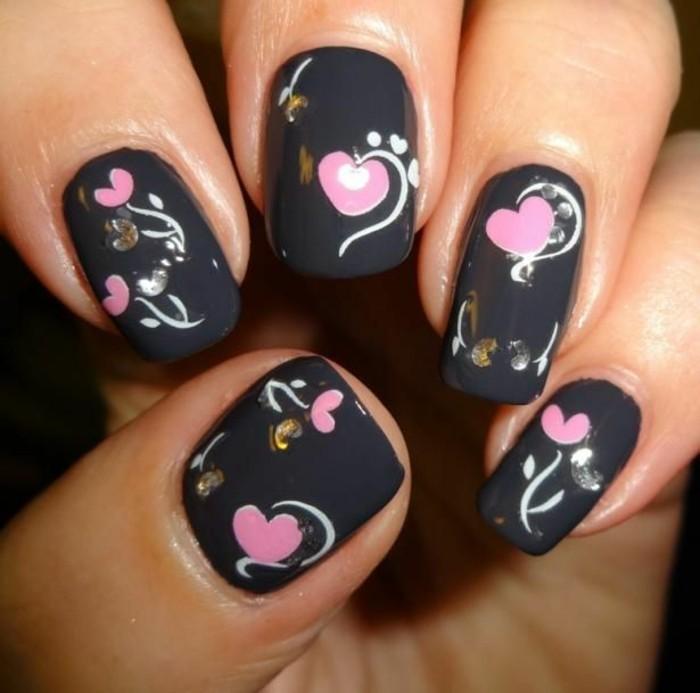 l-idée-en-rose-et-noire-idee-deco-ongles-original-déco-ongle