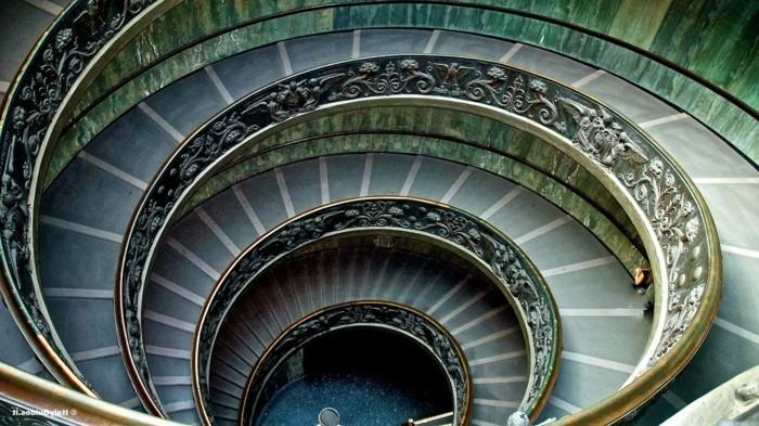 la-suite-de-Fibonacci-aux musees-du-Vatican-resized