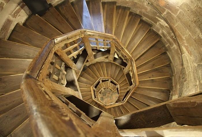 la-suite-de-Fibonacci-escalier-en-bois-resized