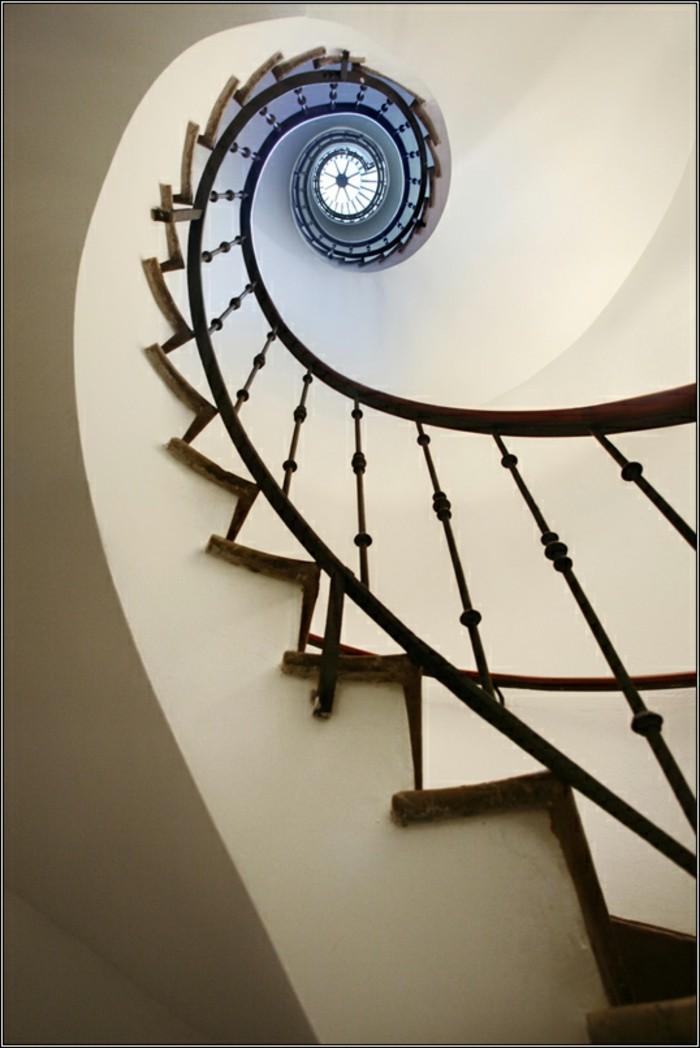 la-suite-de-Fibonacci-escalier-etroit-resized