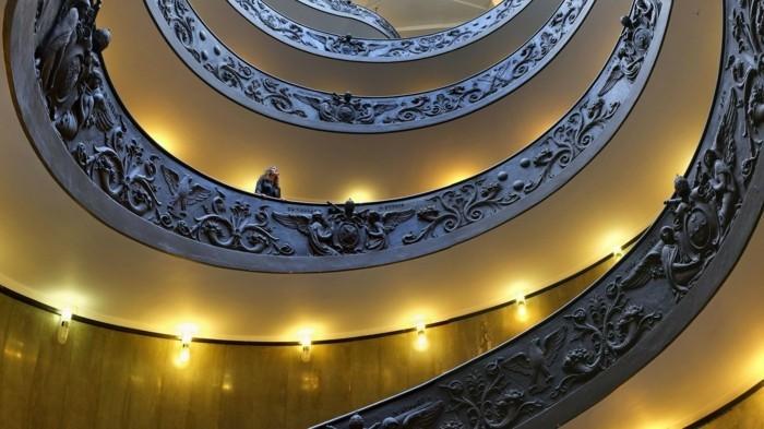 la-suite-de-Fibonacci-fer-forge-motifs-d-'anges-et-couronnes-resized
