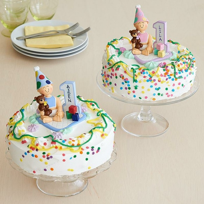 le-gâteau-d-anniversaire-enfants-délicieux-joli