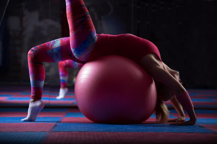 méthode-pilates-joli-exercice-de-flexibilité