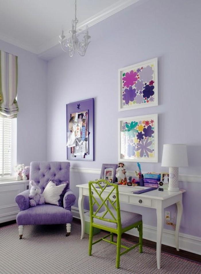 magnifique-amenagement-chambre-ado-fille-en-violette-canape-violet-capitonnée-en-violet