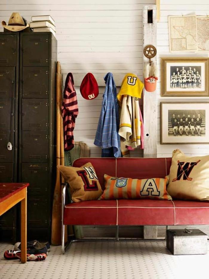 magnifique-chambre-garcon-adulte-canape-rouge-en-cuir-idees-deco-chambre-adulte