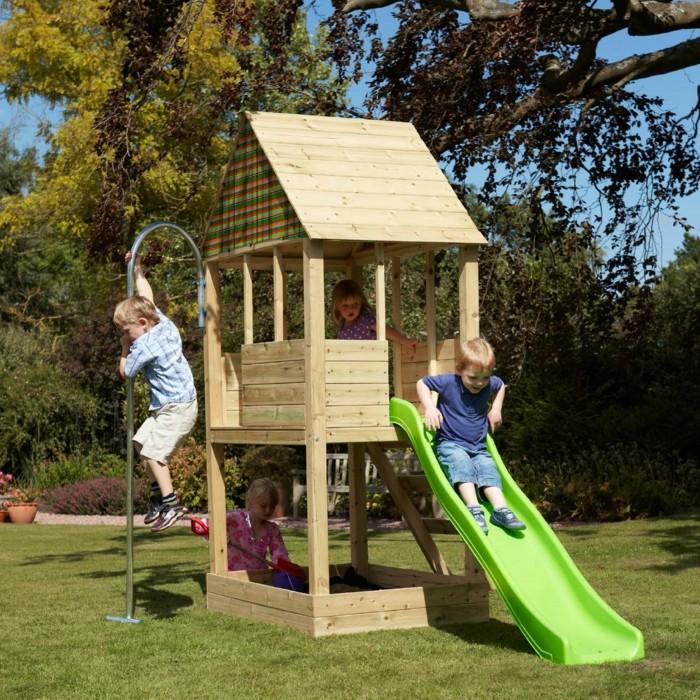 La maisonnette en bois qui aide vos enfants jouer plus for Jeu bois exterieur