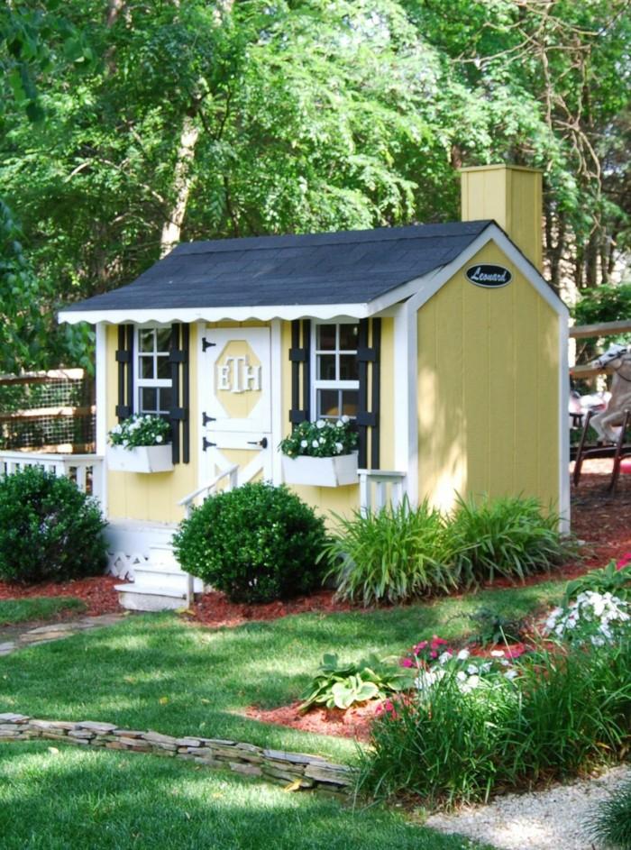 maison-bois-jardin-idée-jouer-extérieur