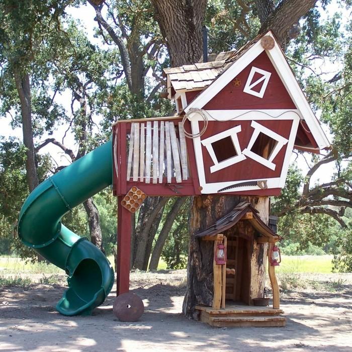 maisonnette-1-en-bois-pour-enfant-cool-une-maison-etrange