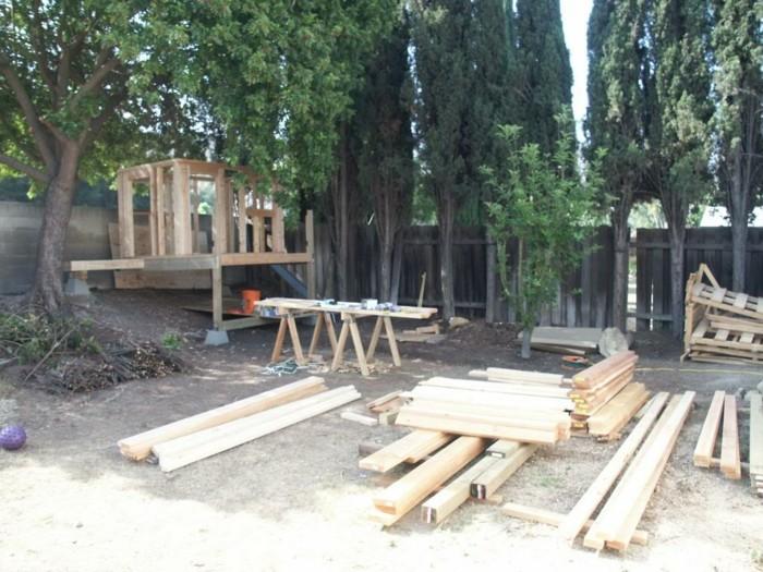 merveille-construire-une-maison-bois-jardin-idée-jouer-extérieur