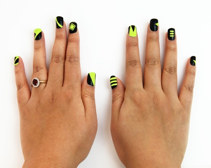 modern-pattern-on-nails-drawing-for-nails
