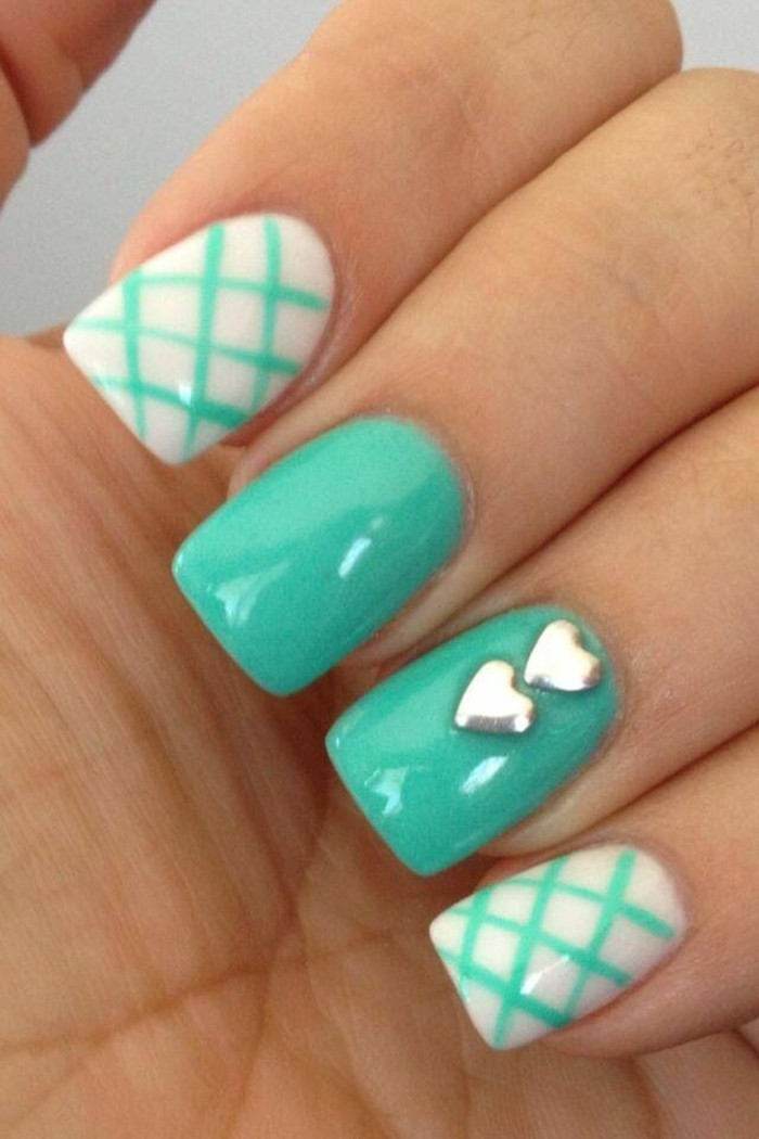 pattern-on-nails-drawing-for-blue-lux-nails
