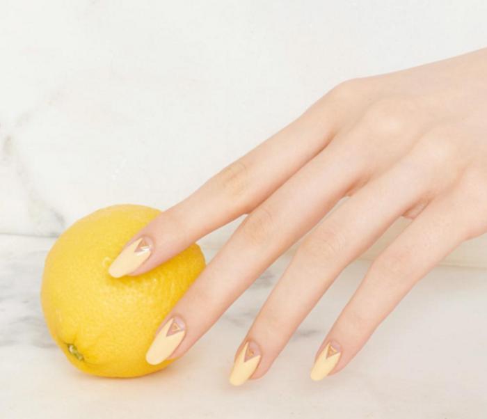 motif-sur-ongles-dessin-pour-les-ongles