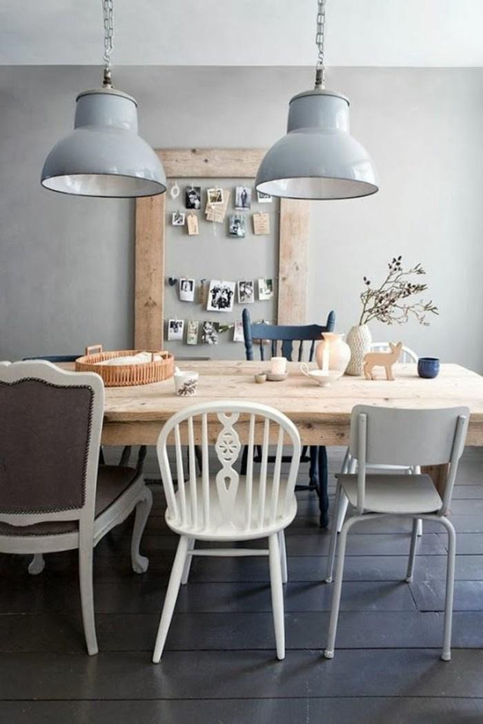 nos-idees-déco-salle-à-manger-théma-déco-sol-en-planchers-noirs-en-bois-table-en-bois-clair