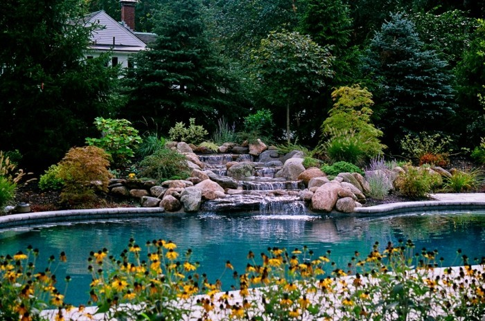 60 id es pour bien agencer son jardin - Idee amenagement jardin avec piscine ...