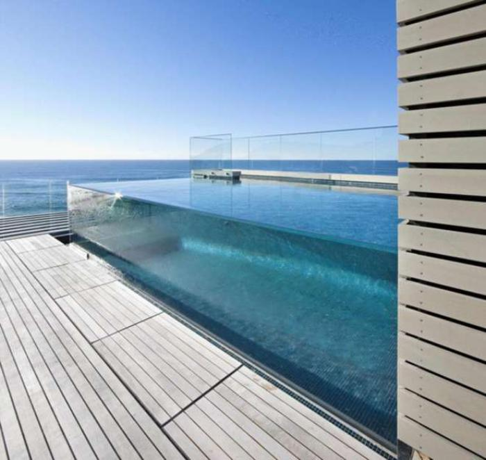 la piscine en verre en 43 photos. Black Bedroom Furniture Sets. Home Design Ideas