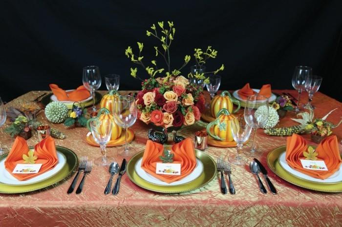 pliage-serviette-noel-couleur-orange