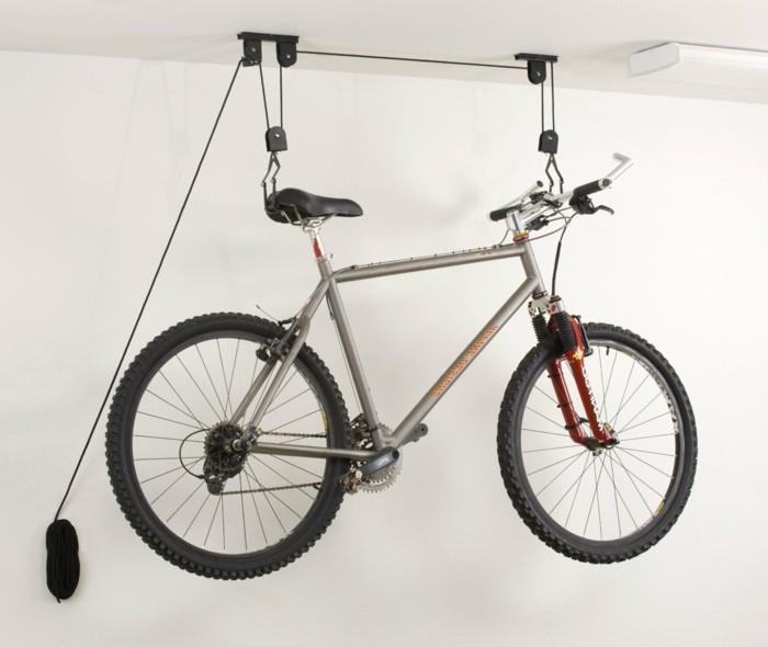porte-velo-sur-attelage-rangement-vélo