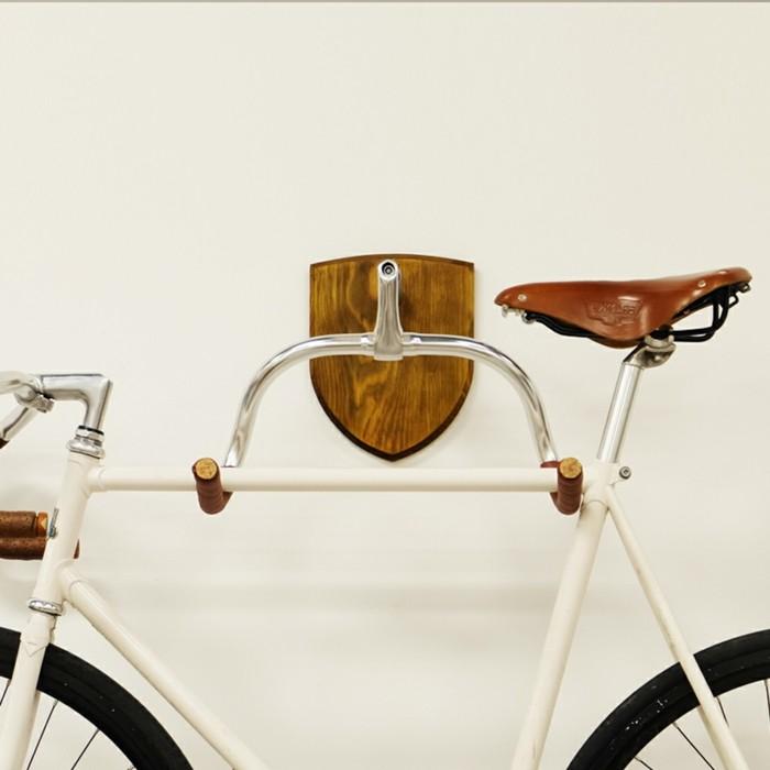 rangement-vélo-porte-velo-sur-attelage