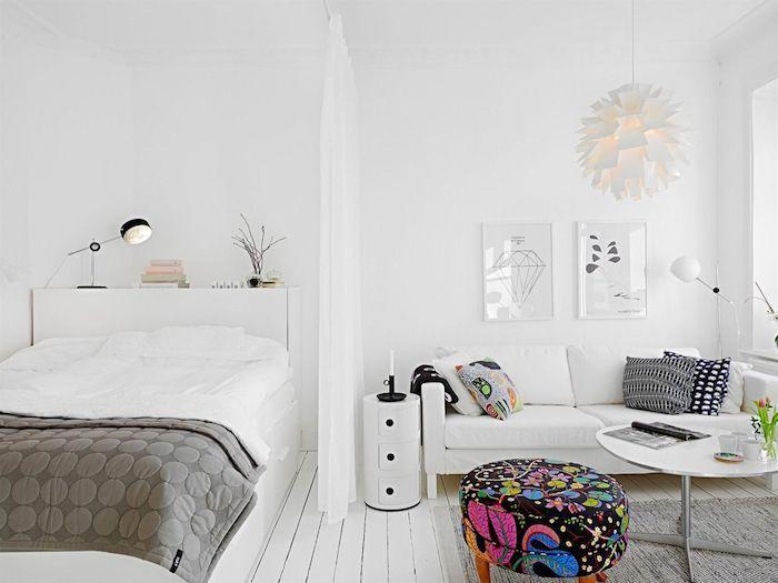 rideau de séparation pour séparer coin chambre du salon en blanc et gris style scandinave, accents boheme chic