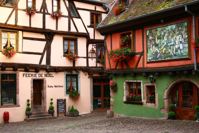 route-des-vins-d'Alsace-atmosphère-typique-village-d'Alsace