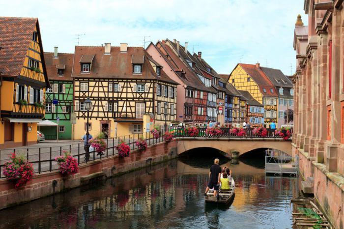 route-des-vins-d'Alsace-paysage-typique