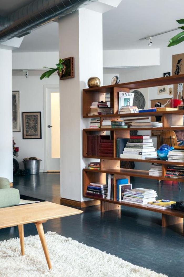 séparation-de-pièce-étagère-bibliothèque-en-bois-foncé