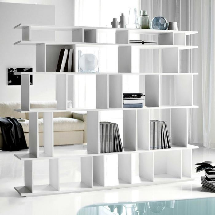 séparation-de-pièce-avec-étagère-minimaliste