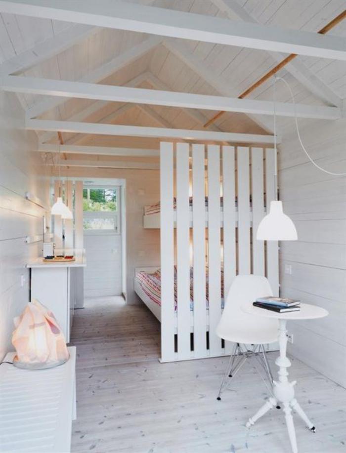 séparation-de-pièce-intérieur-cottage-blanc-vec-séparateur
