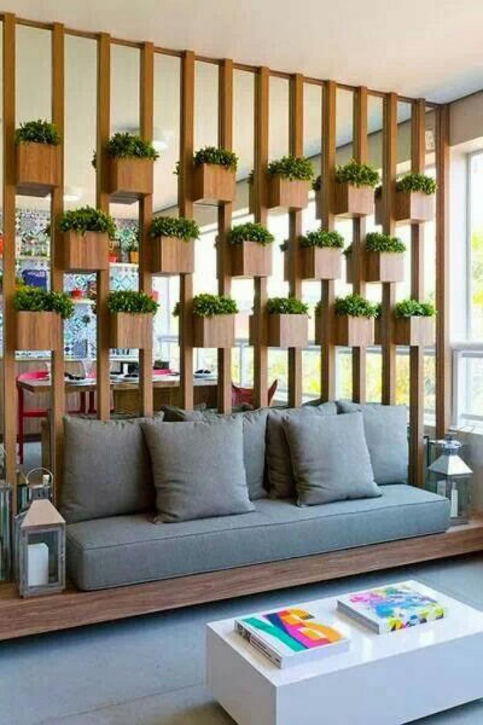 séparation-de-pièce-meuble-séparateur-de-pièce-avec-pots-de-fleurs